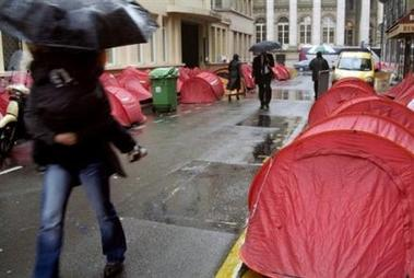 People objets encombrants sur la voie publique - Objet encombrants paris ...